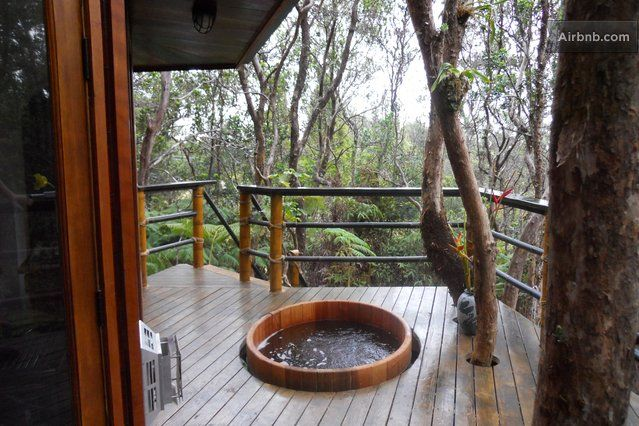 treehouse-airbnb-hawaii-volcano